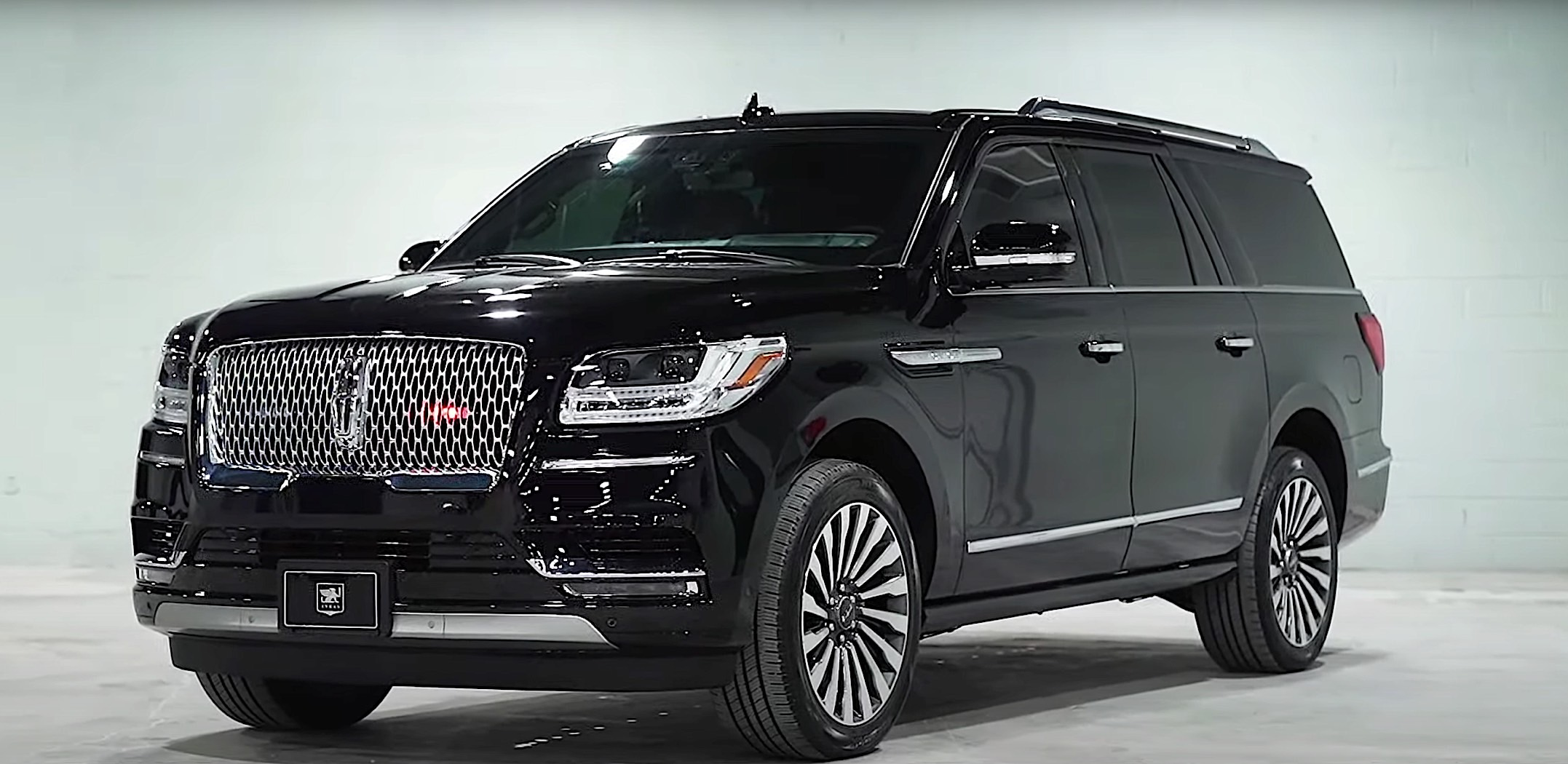This 2020 Lincoln Navigator Inkas Armored Luxury Suv Can Withstand 2 Hand Grenades Explosion Autoreportng